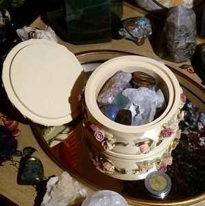 434g Hand Painted Floral Box Crystal Bundle